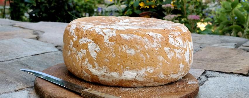 Brotlaib, gebacken im Multikocher MeinHans