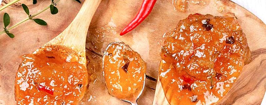 Holzlöffel mit Aprikosen Chutney - zubereitet im Multikocher MeinHans